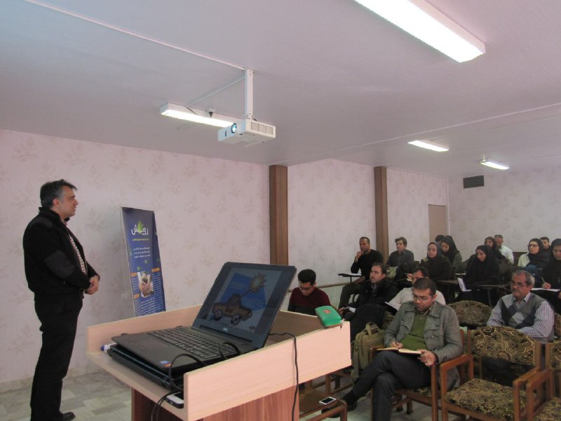 "The first ""Greenhouse structure and design"" Workshop by Omid Ashiane Sabz.co in Arak,Iran"